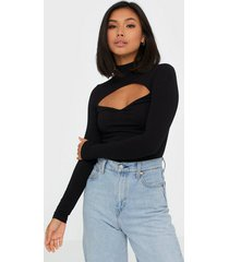 nly trend cut out turtleneck top långärmade toppar