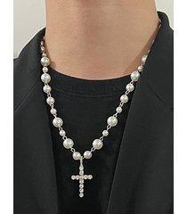 collar con colgante de cruz de diamantes con cadena de perlas para hombre
