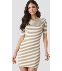 na-kd striped fitted t-shirt dress - beige