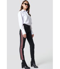 na-kd highwaist double stripe jeans - black