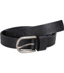 cinturón cuero liso delgado con detalle negro