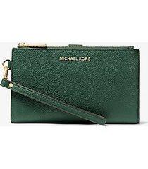 mk portafoglio per smartphone adele in pelle martellata - muschio (verde) - michael kors