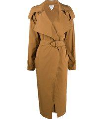 bottega veneta triangular-buckle long trench coat - brown