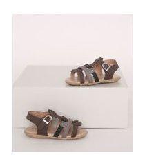 sandália infantil com tiras marrom