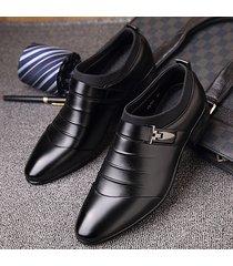 scarpe formali con fibbia