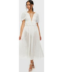 for love & lemons cosmo maxi dress loose fit