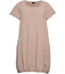 dress plus short sleeves cotton round neck knälång klänning rosa zizzi