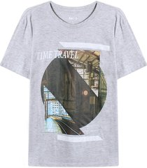 camiseta con screen time travel color gris,talla m