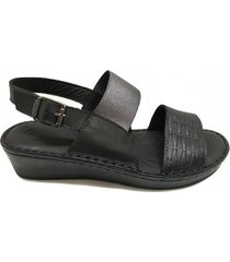 sandalia negra cavatini