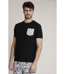 camiseta masculina triya com bolso estampado de folhagem manga curta gola careca preta