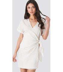 na-kd overlap knot mini dress - white