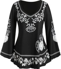 plus size flower chain print bell sleeve tee