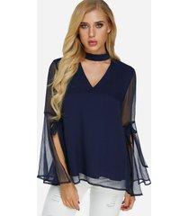 blusa de manga larga con abertura en el cuello perkins y abertura en azul marino diseño