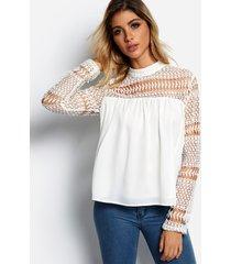 blusa de encaje de manga larga con cuello redondo y diseño hueco blanco