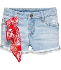 jeansshorts med bandana, hotpantsmodell