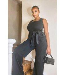 plus jumpsuit met ceintuur, zakken en contrasterende stiksels, zwart