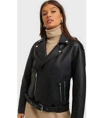 nly trend oversized biker jacket skinnjackor