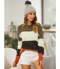 suéter de manga larga con cuello redondo y estampado de leopardo