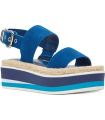 sandalia athena celeste casual nine west