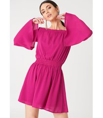na-kd boho wide sleeve off shoulder dress - pink