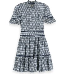 scotch & soda 155955 0217 printed dress/jurk with ladder lace combo a blauw