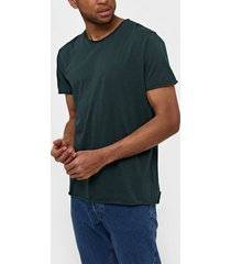 filippa k m. roll neck tee t-shirts & linnen dark green