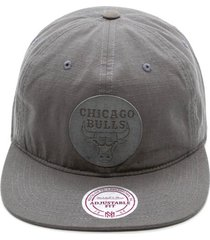 bonã© mitchell & ness aba reta snapback nba chicago bulls cinza - cinza - dafiti