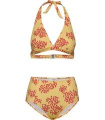carolyn bikini bikini geel lovechild 1979