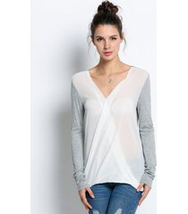 blusa grupo tabu x14 - gris con blanco