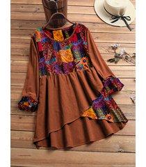 blusa asimmetrica plus patchwork stampa vintage