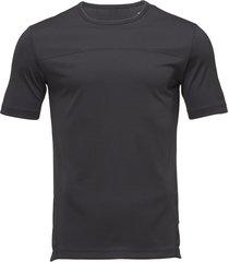 ss tee t-shirts short-sleeved blå calvin klein performance