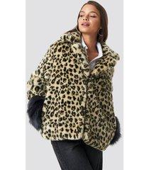 hannalicious x na-kd sleeve detailed faux fur leo jacket - brown,beige