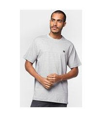 camiseta dc shoes especial basic star masculina