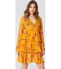 na-kd boho triple layer ls flounce dress - orange
