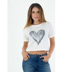 tshirt para mujer topmark, fondo entero y estampado de corazón