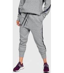 pantalón de buzo under armour fleece pant taped wm gris - calce regular