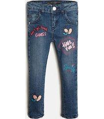 denimowe spodnie z haftem fason skinny