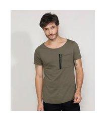 camiseta masculina slim manga curta com bolso e zíper gola canoa verde militar