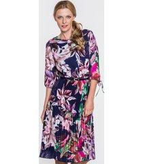 granatowa sukienka w kwiaty aneta