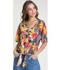 blusa feminina ampla estampada floral com nó manga curta decote v multicor