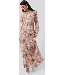 na-kd trend flower printed midi dress - multicolor