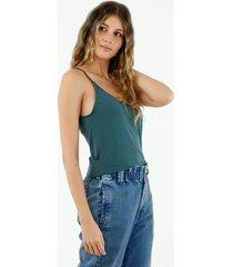 camiseta de mujer, silueta amplia crop, cuello redondo de tiras, color verde
