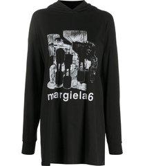 logo t-shirt hoodie