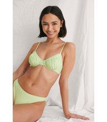curated styles återvunnen bikinitopp med volanger - green