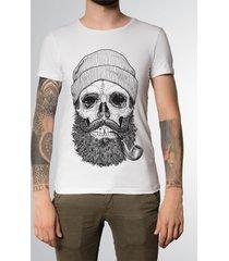 camiseta badtrip smoking pipe branca - kanui