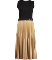 givenchy waistband pleated dress