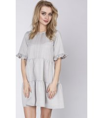 sukienka w kratkę luźna z krótkim rękawem