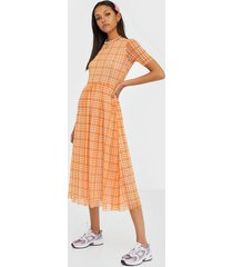 résumé taika dress loose fit dresses