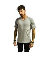 camiseta rich young gola v básica lisa prata