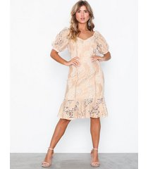 nly eve puff sleeve lace dress loose fit